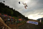 Graham Agassiz en backflip superman