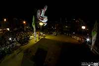 VTT slopestyle au FISE Expérience Besançon, best trick by night