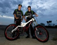 Sam Hill et Brendan Fairclough chez Specialized
