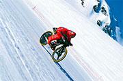 222,22 km/h aux Arcs en 2000, Eric Barone réalise le record du monde de vitesse en VTT.
