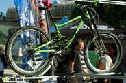 Autre dreambike du week-end, ce Turner DHR full green