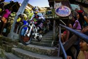 Descente VTT dans les favelas de Rio, Red Bull Desafio no Morro