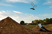 Andreu Lacondeguy, double backflip pour We Are Family