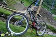Le Scott Voltage 2010, un bike de slopestyle park en 160 / 180mm utilisé par tous les riders du team.
