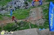 Fabien Pédemanaud, 3ème du contest, descend The Face en 1min15 sur une ligne bien engagée et se paye quelques tricks pour le fun.