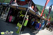 Le stand INDEM avec l'arrivée cette saison de maillots VTT colorés qui claquent bien.