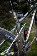 Le nouvel enduro / marathon de Labyrinth Bikes : l'Agile. Un cadre super bien fini, déssiné dans les Vosges.