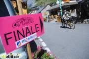 Traversée du village des 2 Alpes.