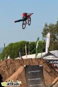 Superman indian air pour Yannick Granieri, second du contest. Finale du Wall Ride Tour 2009 au Roc d'Azur.