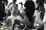Sam Pilgrim, le leader du Freeride MTB World Tour, s'est fait une jolie pizza sur l'épaule ... mais est content quand même !