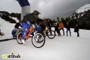 Thibaut Ruffin gagne le 4X de cette Razorsnowbike 2010