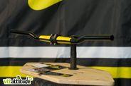 Les gars de chez Baramind présentaient leur cintre carbone pour la première fois sur un salon. Ce guidon, en plus d'être coloré, permet de gommer les vibrations du terrain sans perdre de rigidité pour le pilotage.