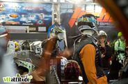 Les casques Urge Bike Products sur le stand Tribe Sports Group.