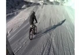 Yannick Granieri en backflip sur le big air des 2 Alpes
